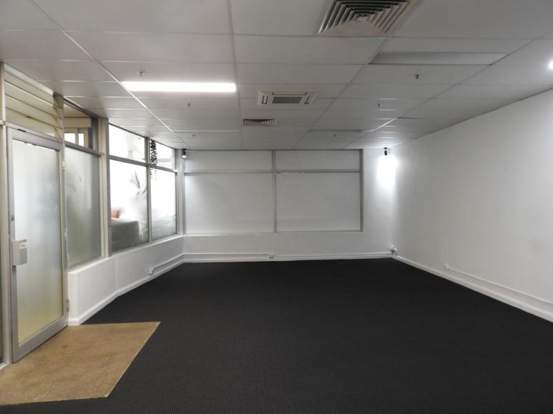 WELL PRESENTED OFFICE SUITE IN PRIME LOCATION