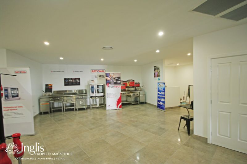 400SQM APPROX. OF BEAUTIFULLY PRESENTED SHOWROOM/OFFICE AVAILABLE!!