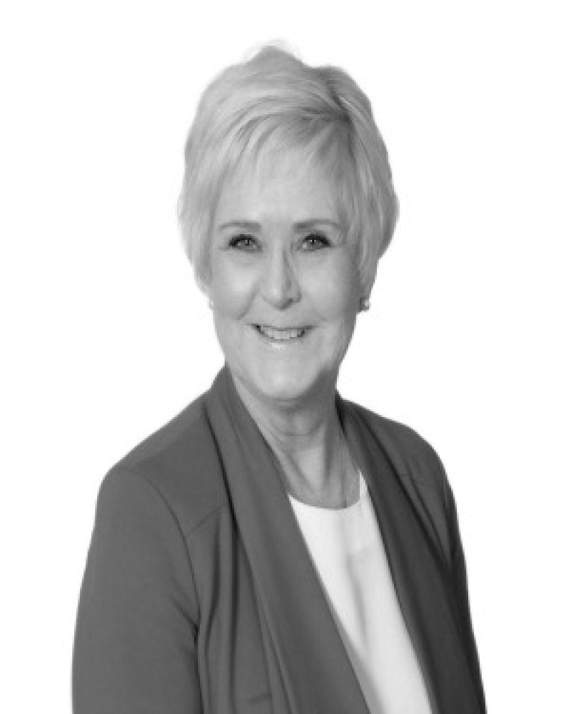 Gwen Toholka Real Estate Agent