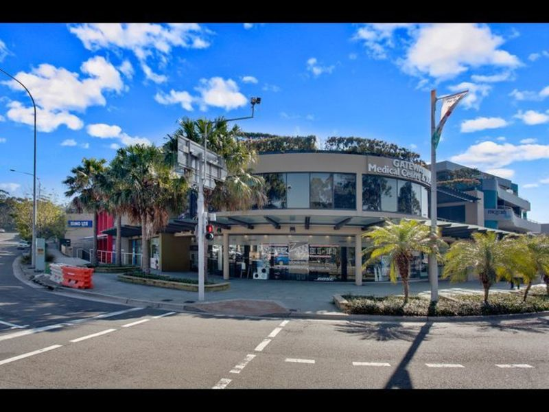 Great value office for 1 in the heart of Mona Vale