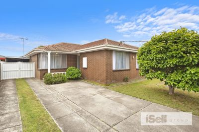 Tranquil Home, Unbeatable Location!