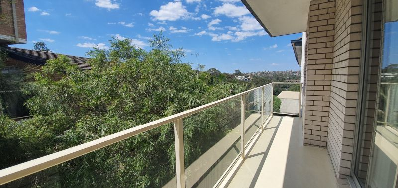 Spacious Two Bedroom Apartment With Bright Outlook