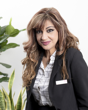 Anna Potaris Real Estate Agent
