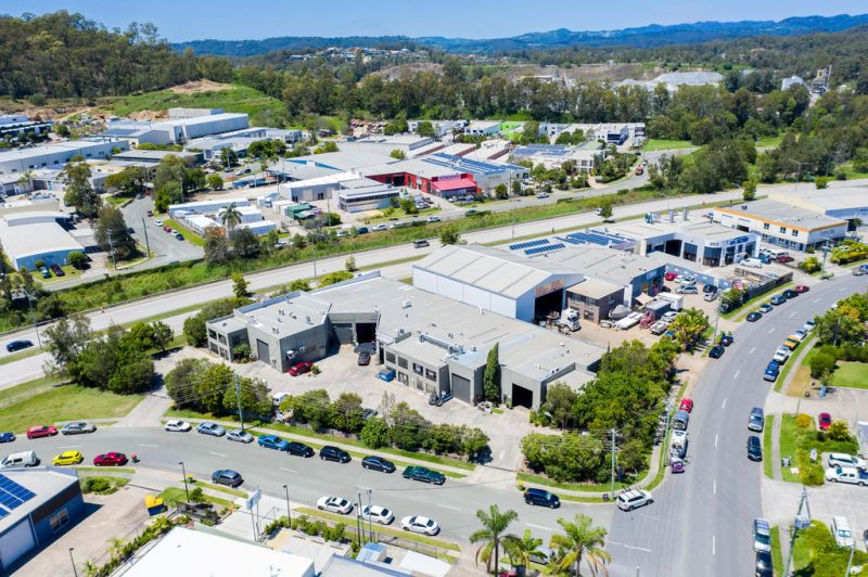 UNDER CONTRACT - HIGH PROFILE MULTI TENANTED INVESTMENT - 100% Leased