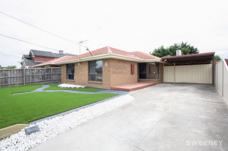 Superb Family Living, Lifestyle & Location!