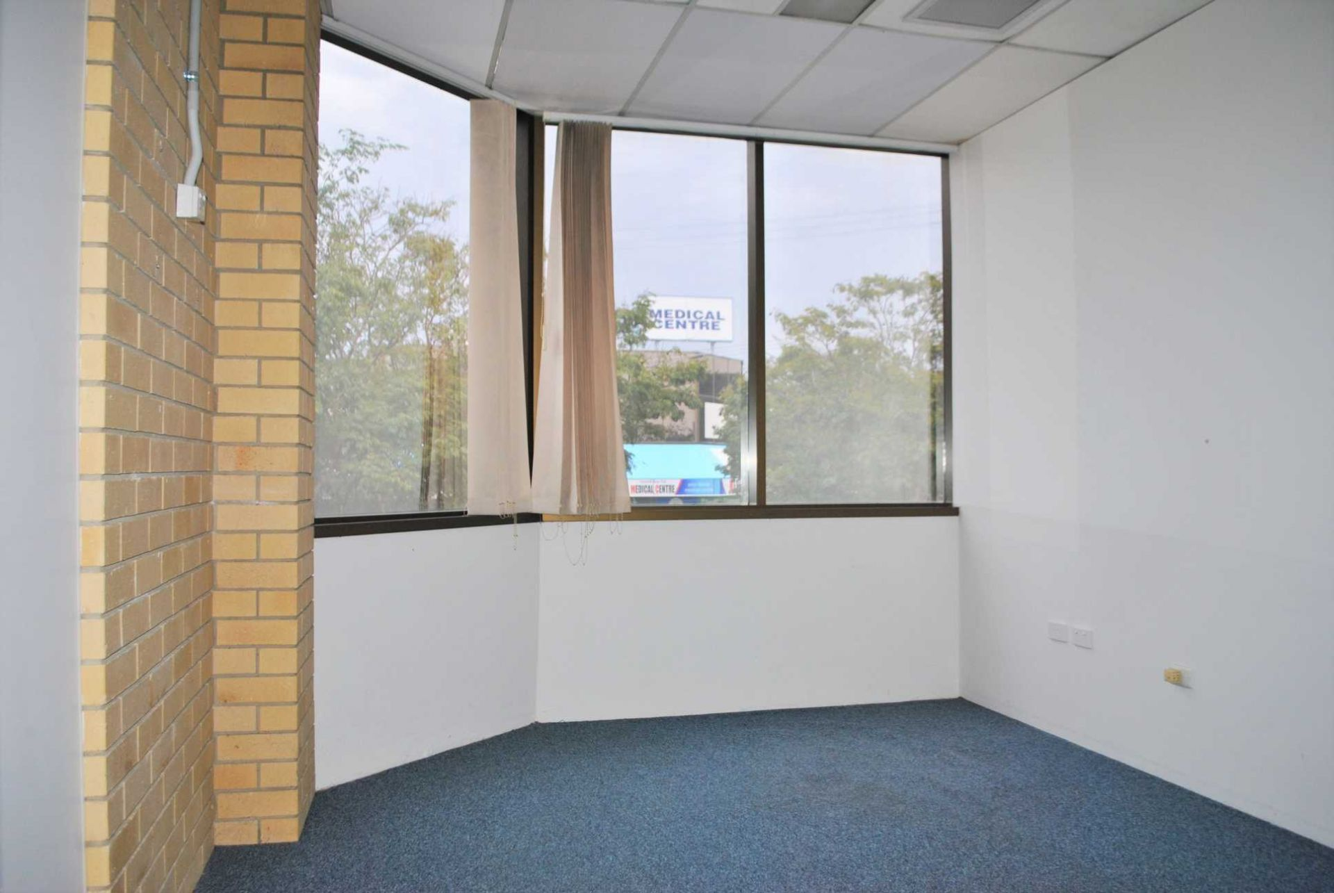 Office in the Heart of Logan Central