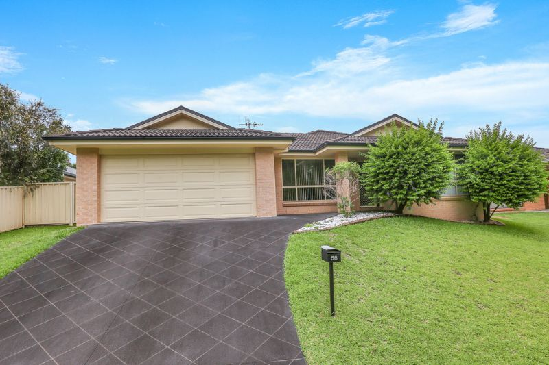 Explore Family Living in Lake Cathie