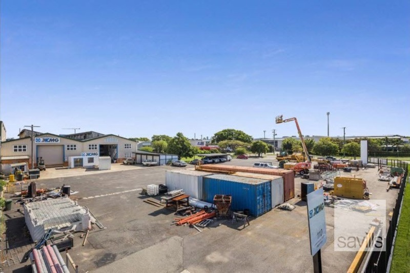 LEASED BY SAVILLS - Heavy Lifting in the Trade Coast