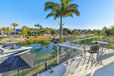 Luxurious Waterfront Lifestyle