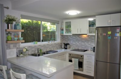 Picture perfect, stylish and quiet - FULLY FURNISHED