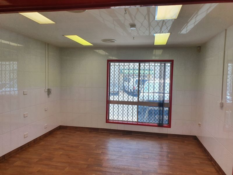 CLEAN SPACE - COMMERCIAL KITCHEN