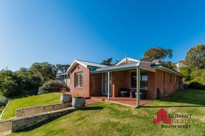 TICKS ALL THE BOXES! FAMILY HOME WITH POOL