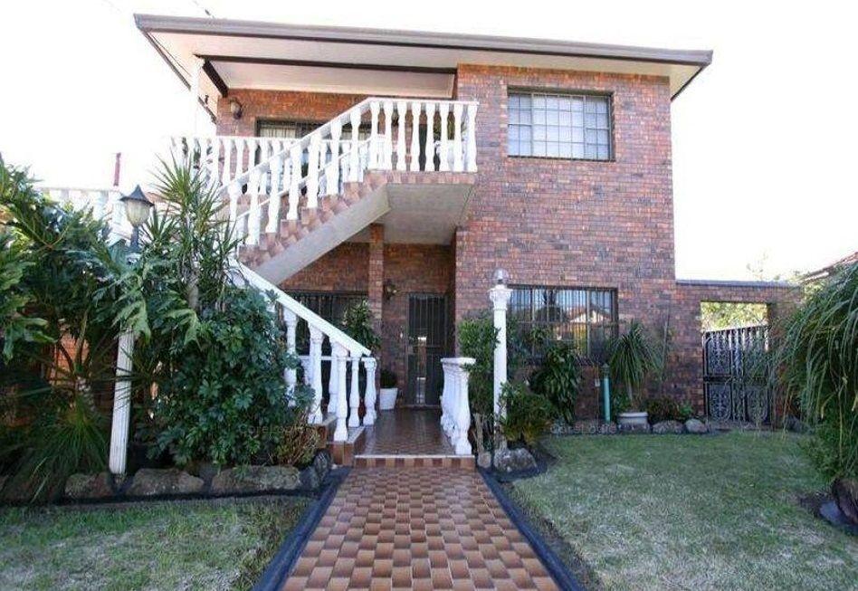 1/24 Howard Street, Canterbury NSW 2193