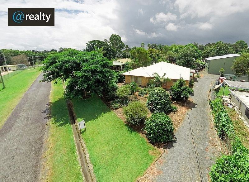 THIS PROPERTY HAS THE LOT!