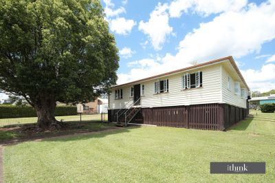 1/2 ACRE WITH QUEENSLANDER ON 2 LOTS