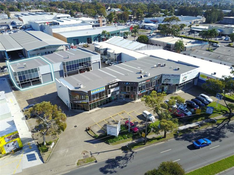 LEASED BY DAMEN ASTEY - 314m² WAREHOUSE IN AN ENVIABLE LOCATION