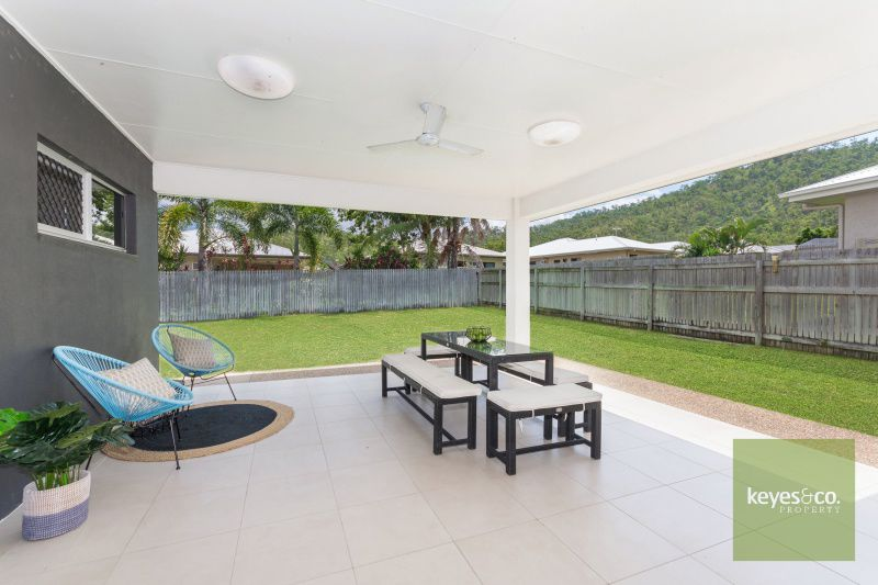 2 Zoe Court, Mount Louisa