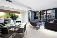Luxury, Huge Space and an Amazing Docklands Location!