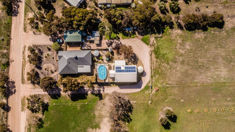 For Sale By Owner: 127 Wedge Road, Port Hughes, SA 5558
