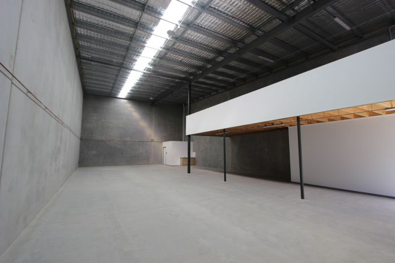 Brand New Warehouse Development -  5 minutes (approx)  To Bruce Highway