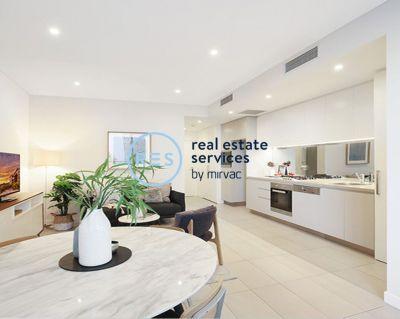 Contemporary 1-Bedroom Apartment in Heart of Harold Park, Glebe