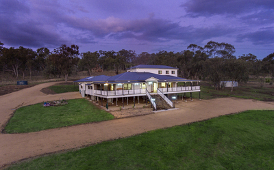 `Grand New Queenslander – With Breathtaking Views'