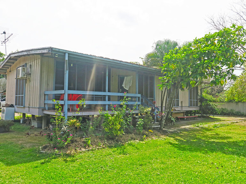 BLOCK OF LAND WITH ESTABLISHED HOUSING