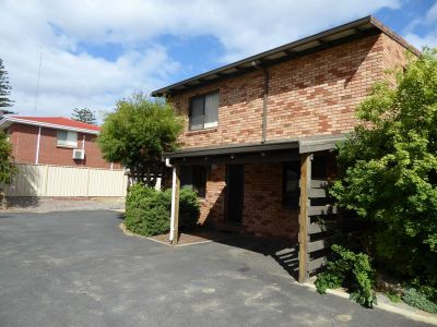 GREAT LITTLE UNIT CLOSE TO TOWN & BEACH