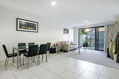 2/8 - 10 Victor Avenue, Paradise Point