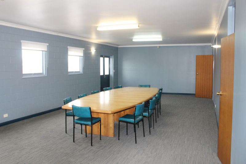 MEETING ROOM WITH OFFICES - NORTH HOBART