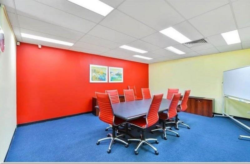 INTERNAL OFFICE SPACE - 266 Sq.m. - CLOSE TO M5, 8KM TO CBD AND 3KM TO AIRPORT