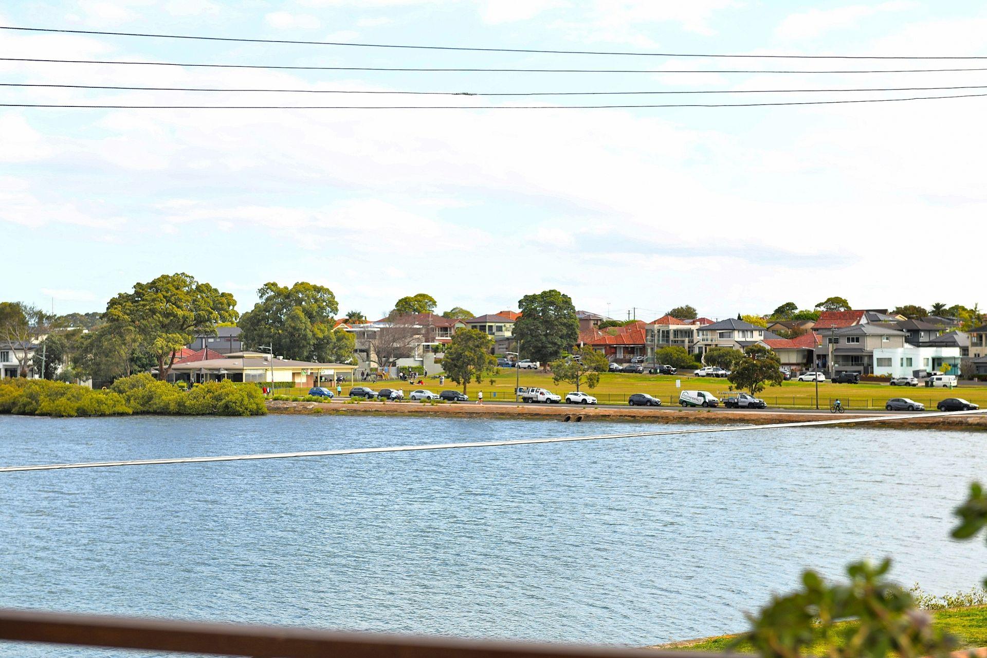 102 Henley Marine Drive, Russell Lea