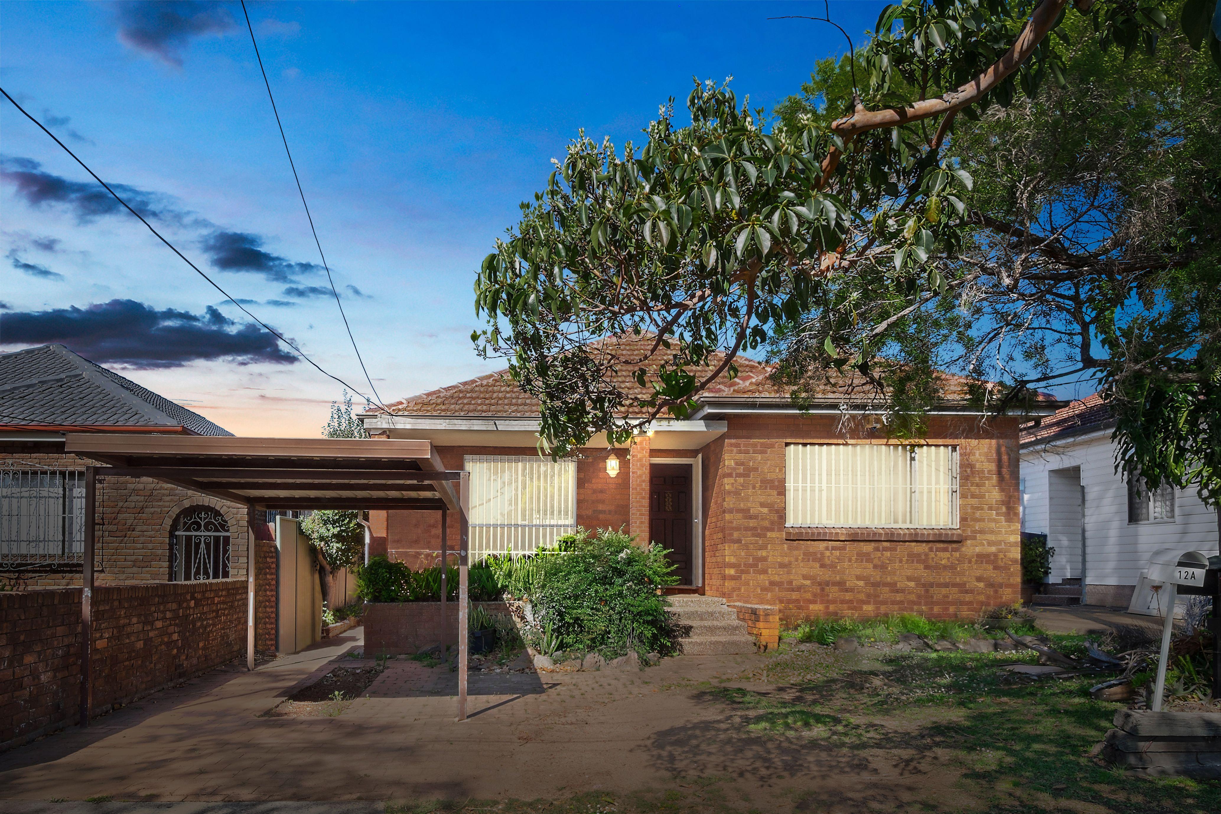 12 Lyon Avenue, Punchbowl NSW 2196