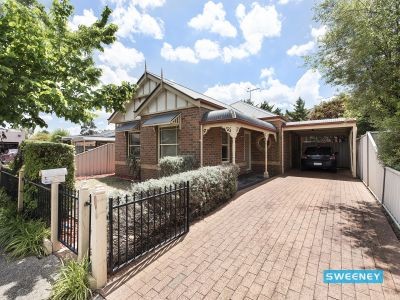 Low maintenance lifestyle, opposite the park!