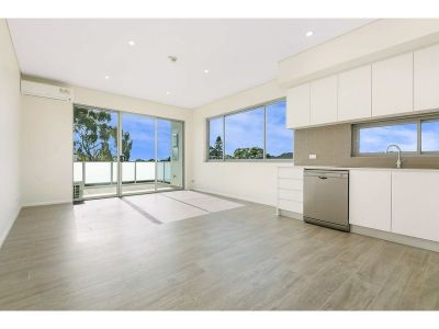 GREAT LOCATION - TWO SPACIOUS BEDROOMS IN THE HEART OF BURWOOD!