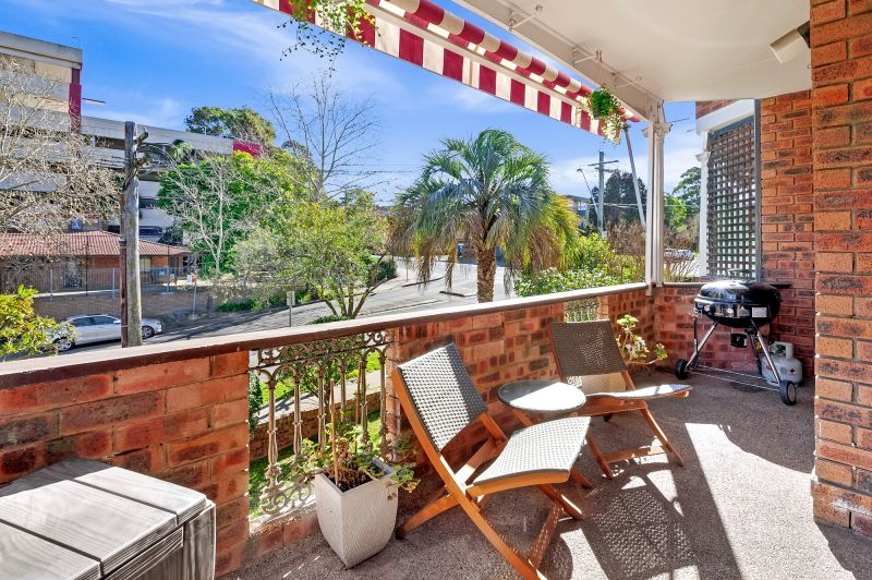 Beautifully presented apartment in sensational location