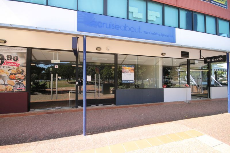 PROFESSIONAL OFFICE/RETAIL SHOP IN RABY BAY HARBOUR