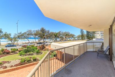 Ocean & City Views   Large Beachfront Apartment