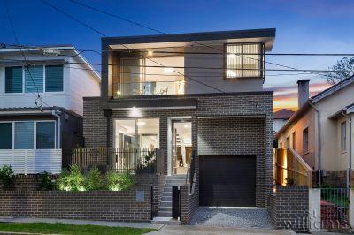 Luxurious Designer Home in ultra-convenient location