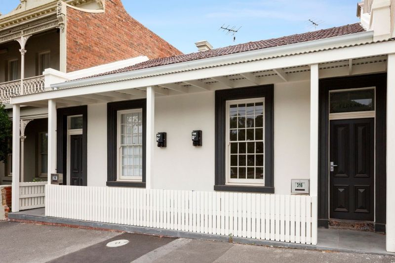Perfectly Placed Inner-City Bayside Home - Ideal for Investment