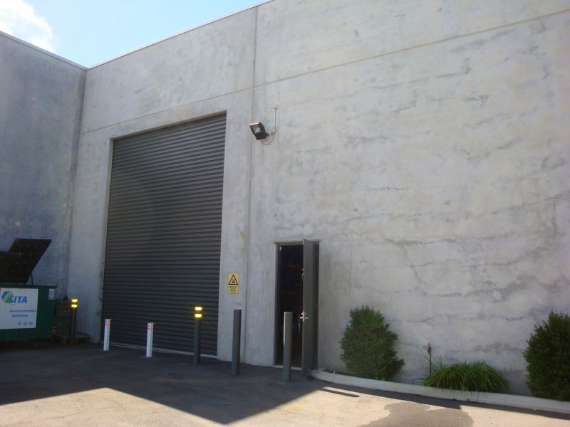 GREEN TITLE OFFICE / WAREHOUSE