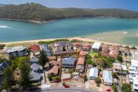 Beachside living large family home with self-contained accommodation