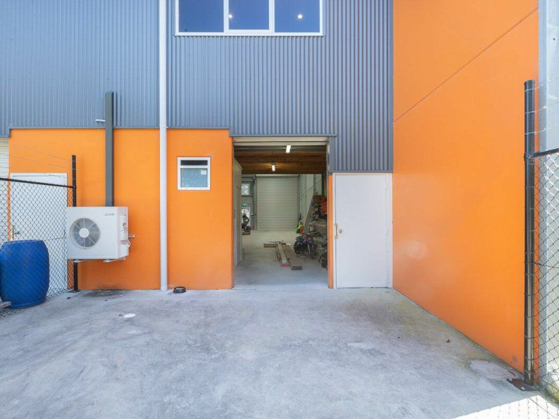 WAREHOUSE AND OFFICE SPACE - INCLUDING WORKSTATIONS