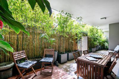 Luxurious North facing resort-style garden apartment