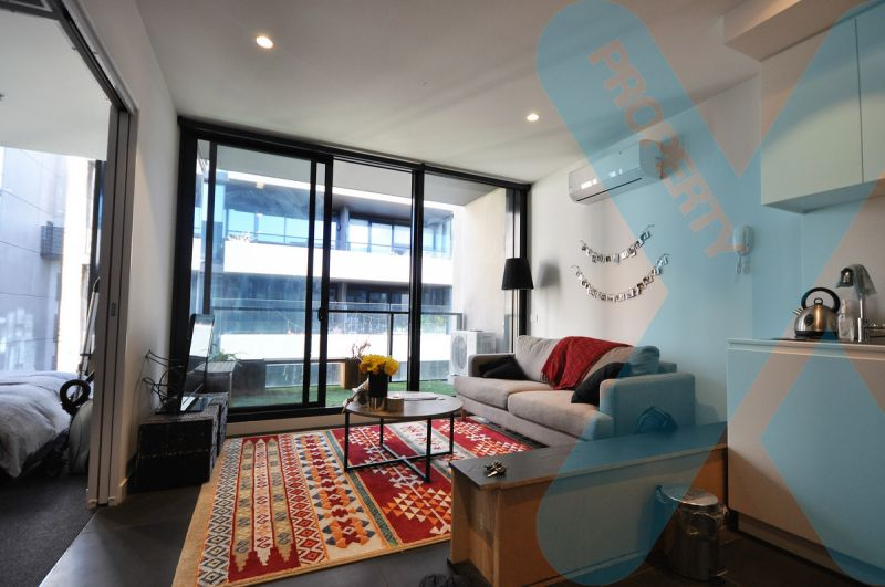 Fully Furnished One Bedroom Plus Study In The Oxley Complex