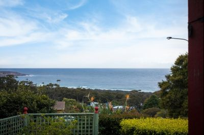 Family Home with Views to North Tura Beach