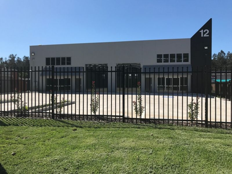 Top Quality Industrial - 1,100m2