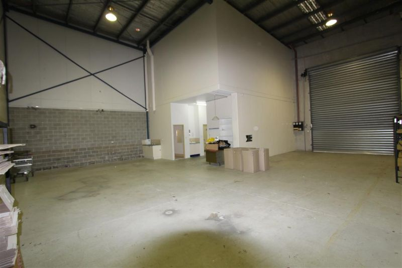 231m² Bulky Goods Zoned Industrial Unit