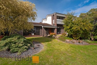Spacious 5 Bedroom, 3 Bathroom Residence with Immaculate Presentation.