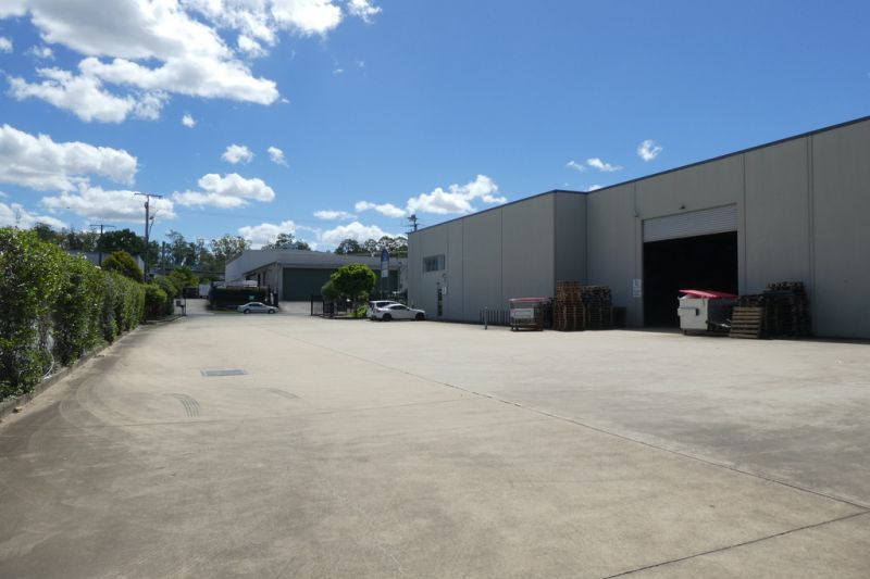 872m2* Warehouse With 3 Phase Power